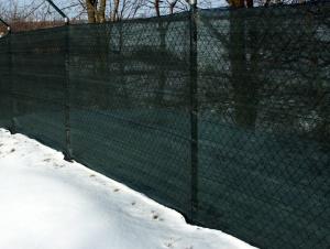 Stínící tkanina na plot SUNIZOL
